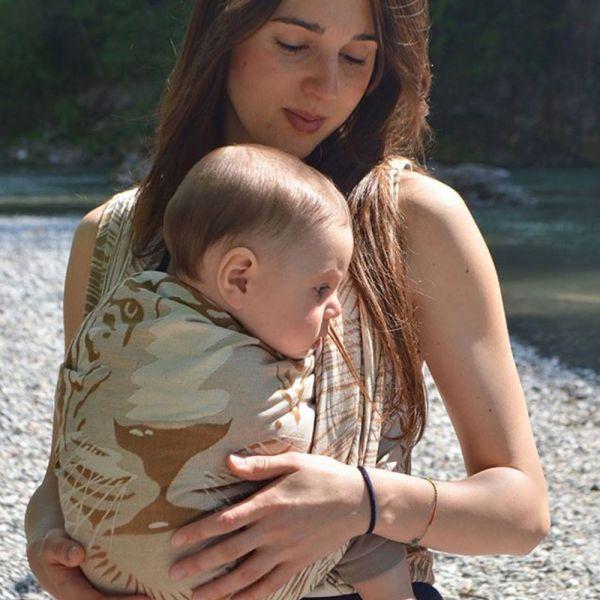 Baby Monkey Tiger Cinnamon S6 Szövött Hordozókendő